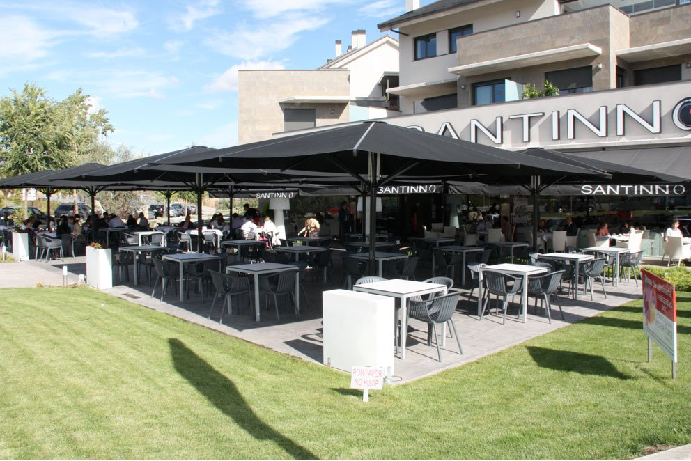 Acondicione las terrazas para semana santa sps sistemas - Sombrillas y parasoles ...