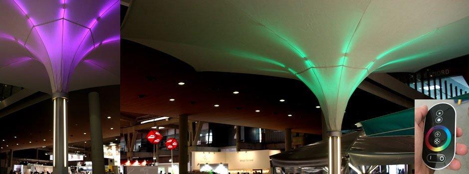 Parasol tensable con doble cubierta e iluminación Led-RGB con mando táctil.